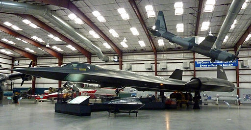 Planes in hangar at Pima Air and Space Museum